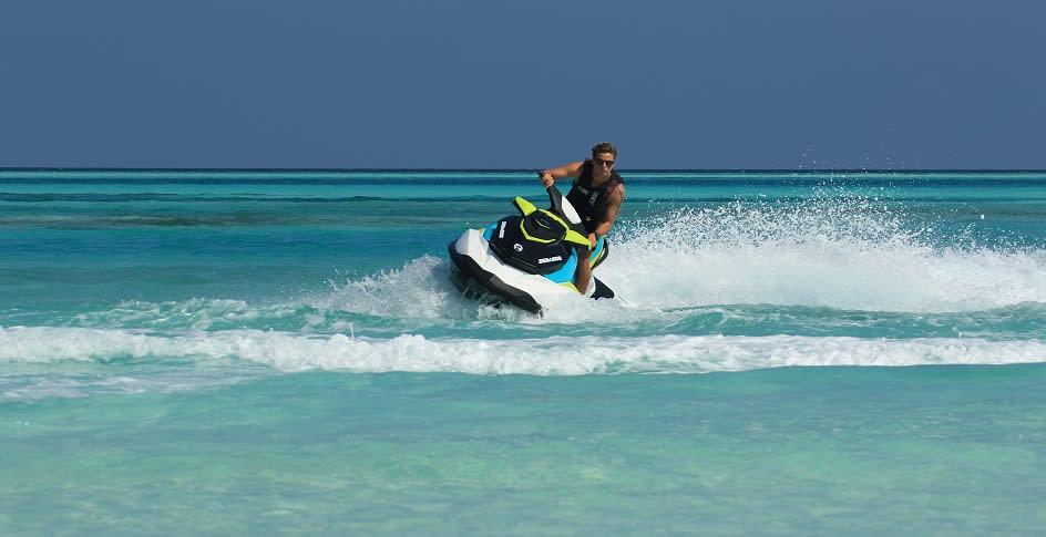 Niyama_Maldives_Jetski_944x510